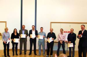All the Table Topics' Speakers with their participation certificates from Mark.